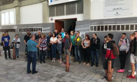 El CEPA Las Palmas guarda un minuto de silencio en protesta por asesinato de Laura Luelmo