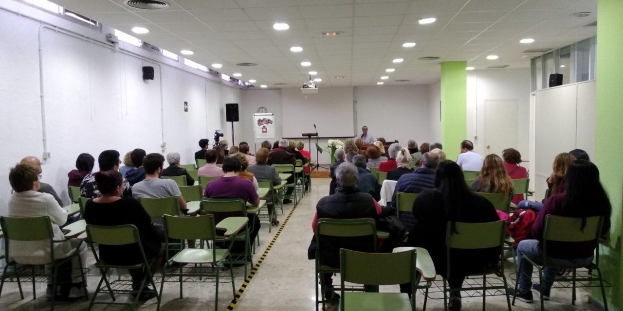 """Encuentro con el autor. José Luis Correa y """"El detective nostálgico""""."""